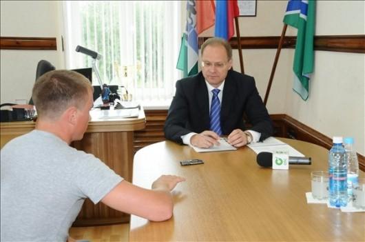 Губернатор Василий Юрченко ознакомился с ходом подготовки социальной сферы Усть-Таркского района к предстоящему отопительному сезону